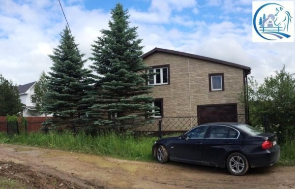 House in Russia in the village of 180 square meters and a plot of 0.2 hectares